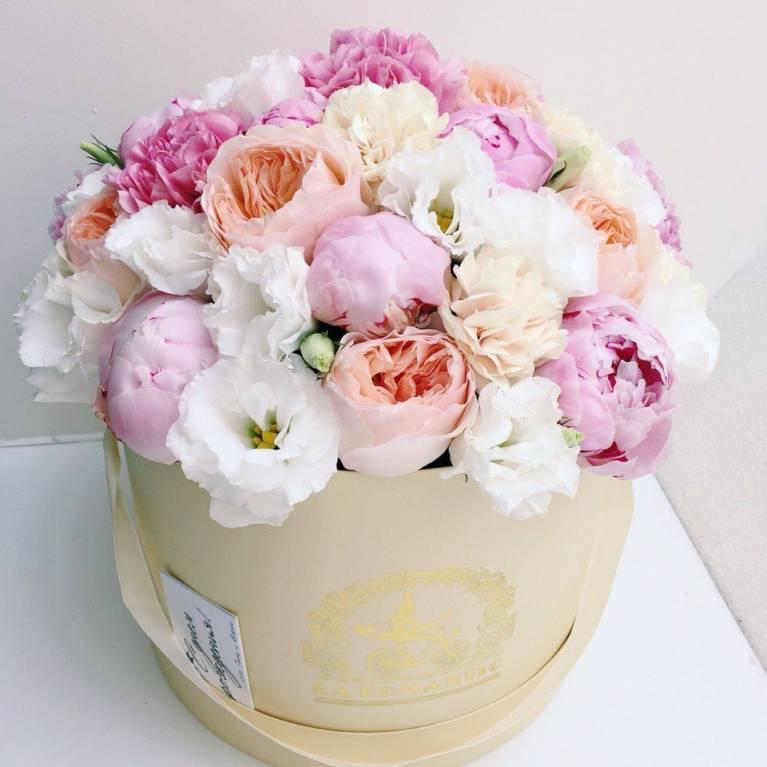 Нежные букеты цветов фото в коробке