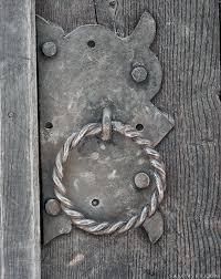 Дверная ручка - images (1).jpg