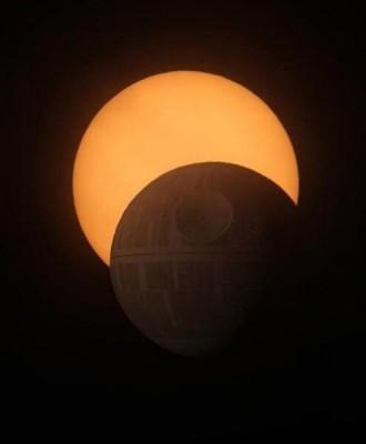 Солнечное затмение, северное сияние..наблюдаем с Земли - GF5RVKGin5M.jpg