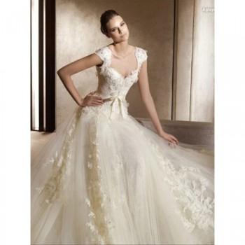 Свадебные платья - dekorirovannoe-cvetami.jpg