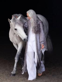 Зрелый возраст как повод ... - 59-years-old-grandma-fashion-model-yasmina-rossi-9__880.jpg