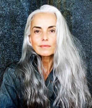Зрелый возраст как повод ... - 59-years-old-grandma-fashion-model-yasmina-rossi-12__880.jpg